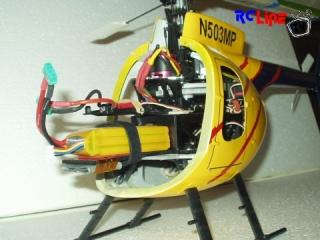 MiniTitan e325 im Hughes 500D- Kleid