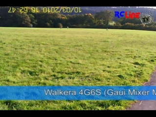 Walkera 4G6S k�mpft gegen den Wind and fliegt in den Sonnenuntergang