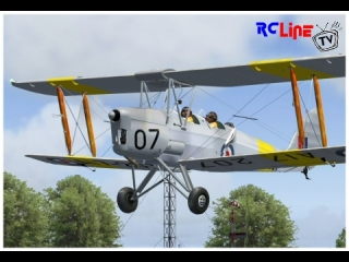 AFTER >: de Havilland DH.82 Tiger Moth