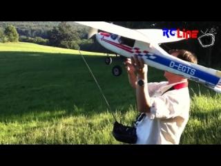 Robbe Cessna 152 - was sie kann und was der Pilot (noch)nicht kann... vom 30.01.2014 00:37:32 hochgeladen von weissleim
